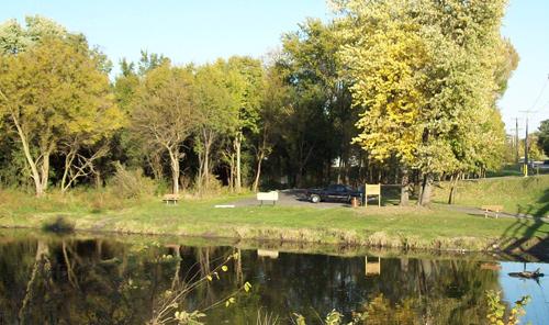 DuPage River Access (Canoe Launch) Area